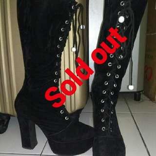 #soldout Boots item