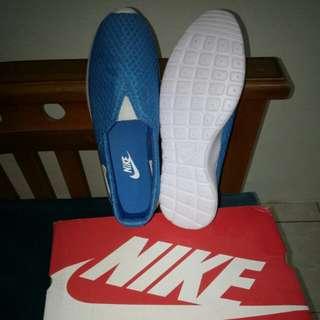 Nike sepatu asli