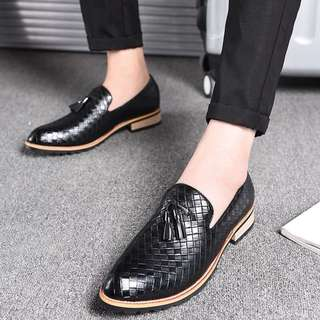 Men's Korean Style Pointed Toe Tassels Loafers Shoes