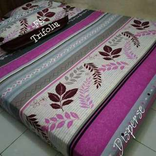sprei purple flowery