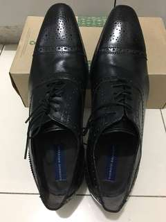 Classic leather shoe