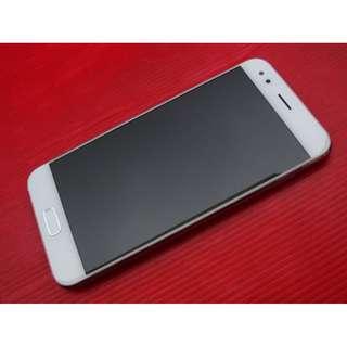 白色 ASUS ZenFone 4 4G/64G ZE554KL 聯強保2018/12 ※換機優先