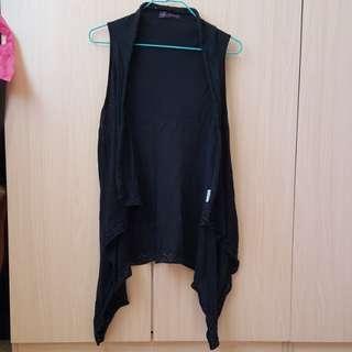 black knitted sleeveless vest