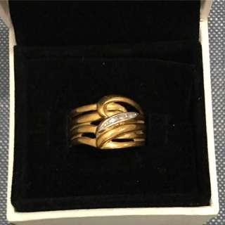 18k gold and platinum crossover ring with diamonds. Hallmark K18 Pt900 4.8 grams