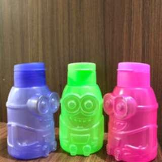 Botol minum bentuk Minion