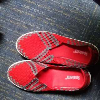 Sepatu Spaletti merah