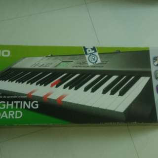 Casio Electronic Keyboard LK-125