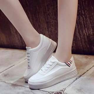 White Sneakers(co)