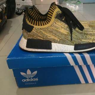 Nmd r1 gold yellow pk size 42 2/3