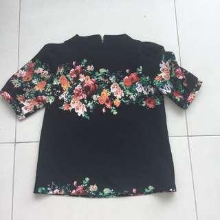 Black floral blouse size fit medium