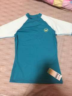 authentic roxy rashguard