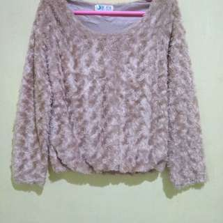 Sweater Bulu Mawar