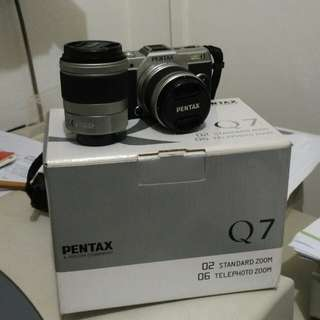 Pentax Q7 Silver Twin Lens Kit