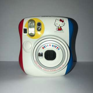 PRE-OWNED MINI 25 INSTAX CAMERA - HELLO KITTY