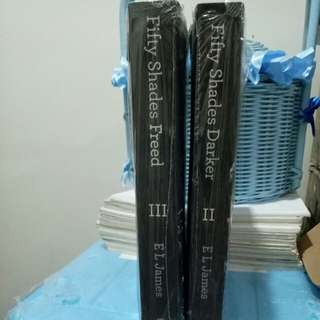 Fifty shades darker dan fifty shades freed English version