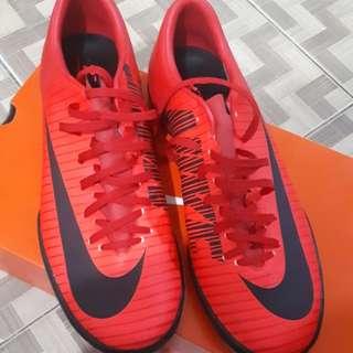 Sepatu Futsal Nike MercurialX Victory VI Red Original - Ukuran 40.5 (Masih Mulus)