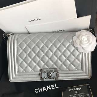Authentic Chanel Boy Medium 25cm