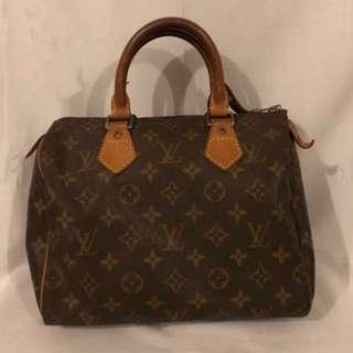 ❤️LV Speedy Handbag (💯authentic)❤️