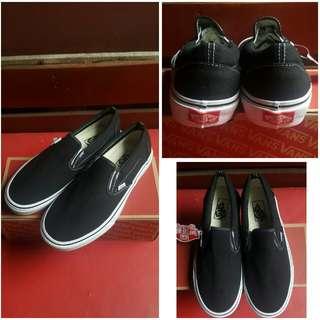 Sepatu Vans Slip On Premium