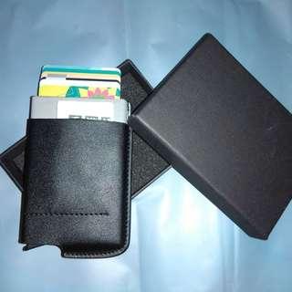 (全新) 7-8張卡 自動卡盒 彈出 銀包 男裝 鋁盒 消磁卡盒 信用卡盒 卡套