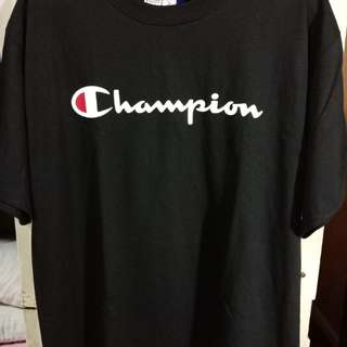 Champion logo tee shirt authentic size L