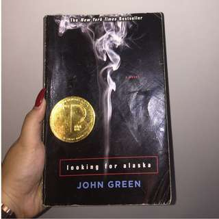 LOOKING FOR ALASKA ;book by John Green