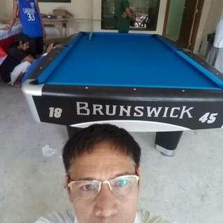 BRUNSWICK METRO BILLIARD TABLE
