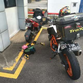 """Bike Been Rescue (Gilera st200)            Location: loyang Lane           Time: 6.33pm (Afternoon)            Date: 26 Feb 18           Cause: Tyre Worming (Tyre worming)               """"Kureiji Response Team""""      Emergency Service"""