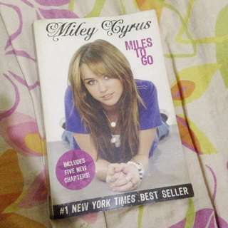 Miley Cyrus: Miles To Go fan book