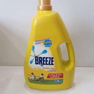Brand new Breeze concentrated liquid detergent 4kg bottle