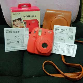 Fujifilm Instax Mini 8 + Leather Case