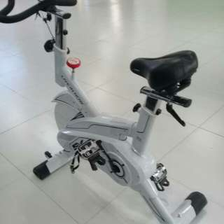 SPINNING BIKE LIVE IN NOW BRAND