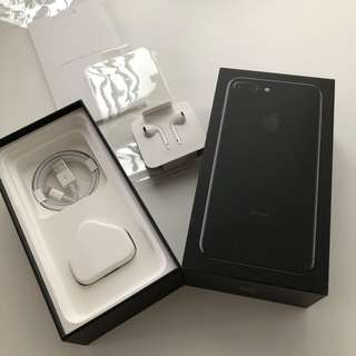 iPhone 7 Plus jet black box + 全新原裝配件 叉電器 +  earphone + usb線