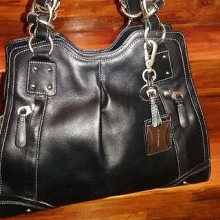 Black leather Aigner bag