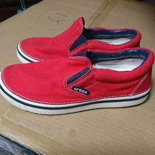 Crocs卡洛馳紅色帆布鞋J3