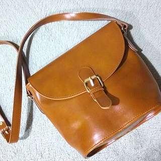 Alice Martha Sling Bag