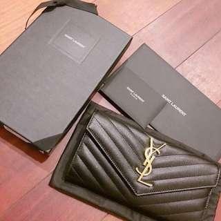 全新 有紙袋紙盒。YSL銀包 代友放 不面交 順豐到付優惠價