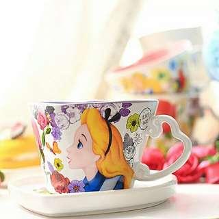 Disney Alice in the wonderland cup and plate 迪士尼愛麗斯夢遊仙境心形陶瓷杯碟套裝