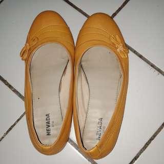 Sepatu flatshoes (nevada)