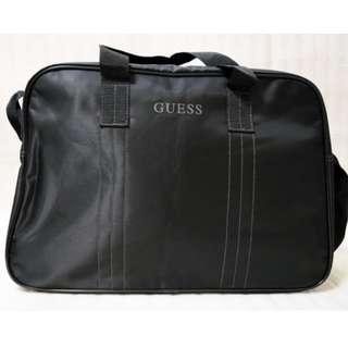 🚚 ∞朵喵喵∞【Guess】黑色旅行袋