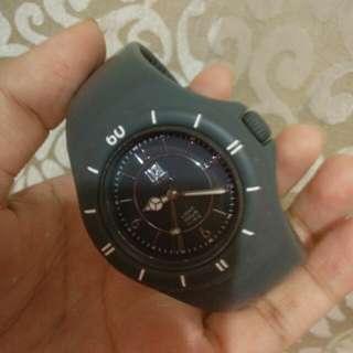 Gray Unisex watch