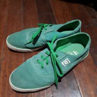 Authentic ❗❗ DC GREEN SUEDE SNEAKERS
