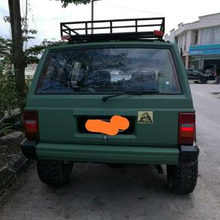 Jeep cheeroky petrol 2.5