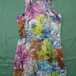 Preloved Used Once Good as NEW sleeveles colorful dress small to medium stretchable