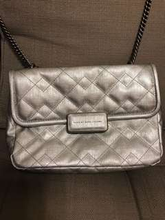 Selling for friend 🈹🈹🈹Marc by Marc Jacobs quilted antique shoulder bag