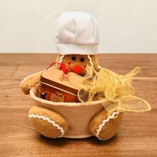Gingerbread Man Chocolate Set