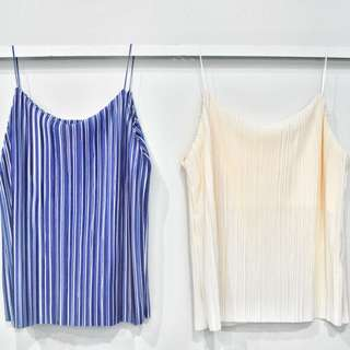 SALE! Brand new pleated top in blue