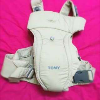 Free postage Tomy baby carrier