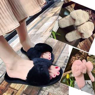Fluffy ribbom sandal