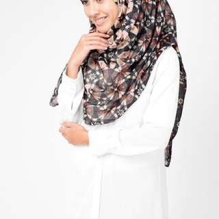 Red Cloves Hijab
